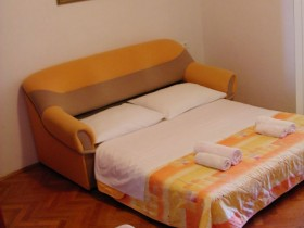 06.sleeping_area_app204(apartments_brajkovic_zivogosce_croatia)