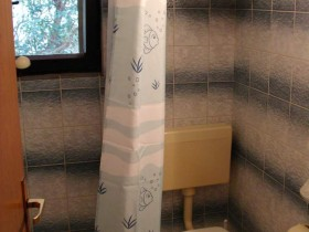 09.bathroom_app300(apartments_brajkovic_zivogosce_Croatia)